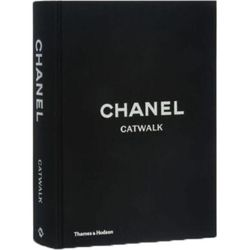 Table books, Chanel  Svart - New mags