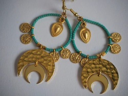 Gold Cleo Earrings  aquamarine og gull - Isle&Tribe